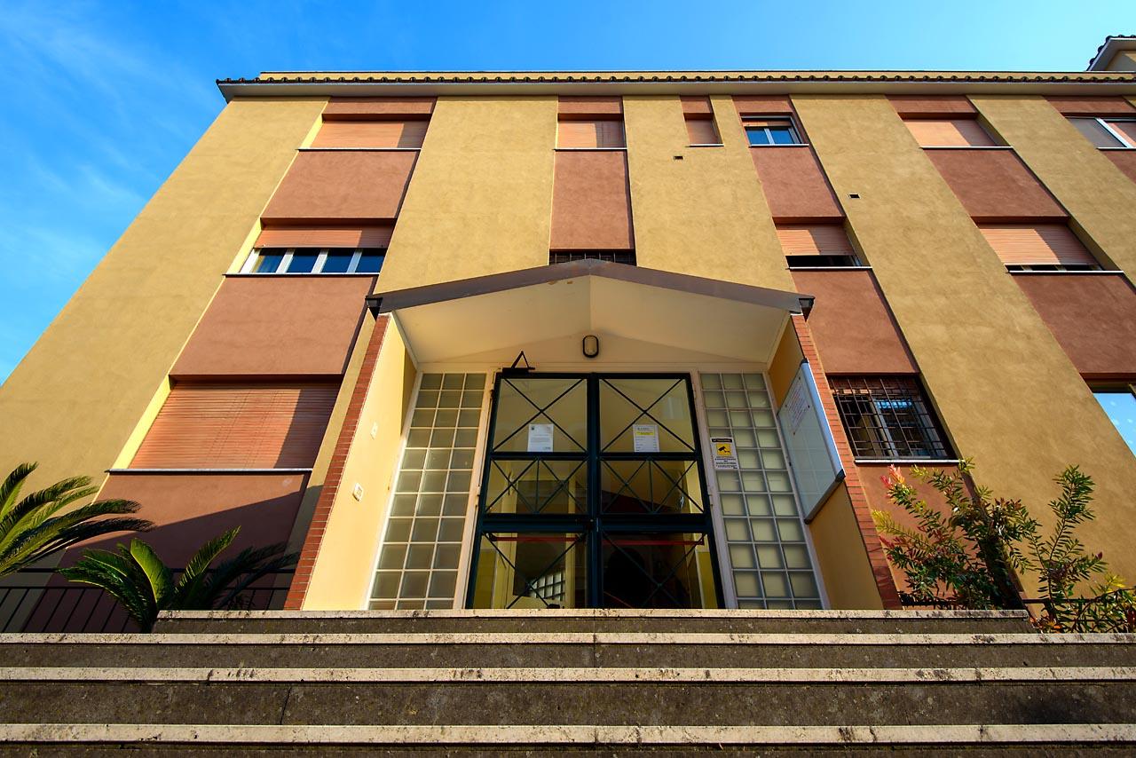 Vista esterna dell'edificio della scuola Madre Maria Petković